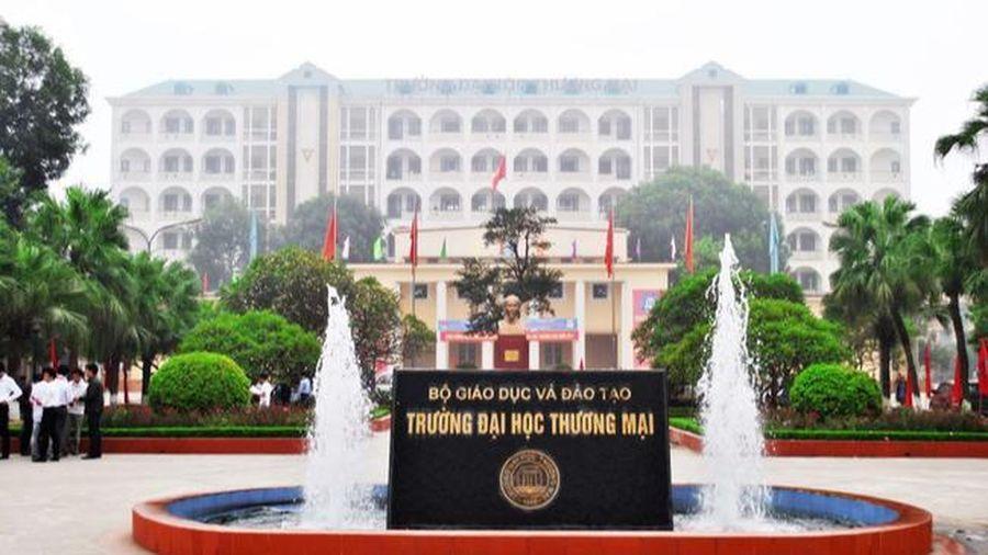 Đại học Thương Mại hỗ trợ mỗi sinh viên đang chịu thiệt hại vì lũ lụt 10 triệu đồng