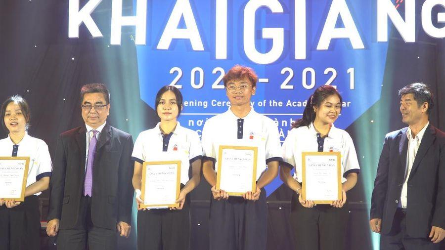 Trường ĐH Hoa Sen tổ chức lễ khai giảng năm học mới, trao hơn 6 tỷ đồng học bổng cho sinh viên