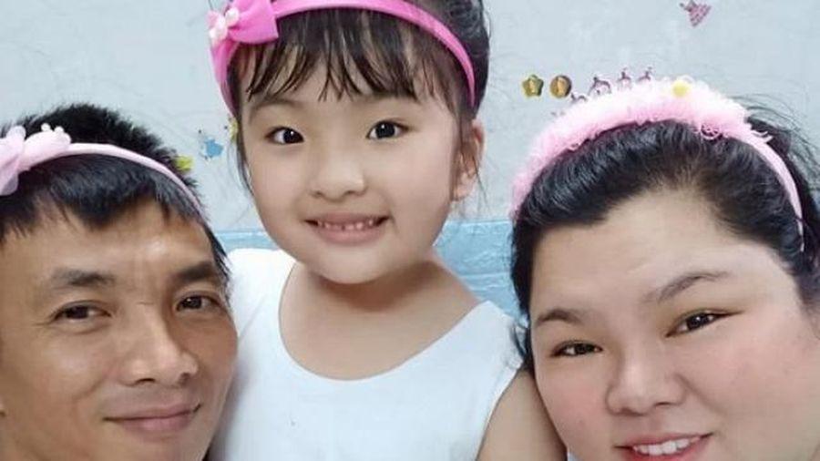 5 năm một mình nuôi con, Tuyền Mập lần đầu được chồng kém 40kg tặng quà 20/10