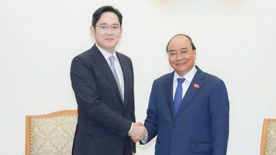 Thủ tướng đề nghị Samsung đầu tư nhà máy sản xuất sản phẩm bán dẫn tại Việt Nam