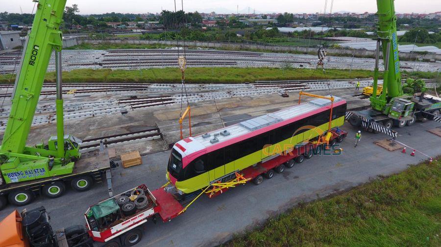 Những toa tàu đầu tiên trên tuyến Metro Nhổn - ga Hà Nội đã về nơi tập kết