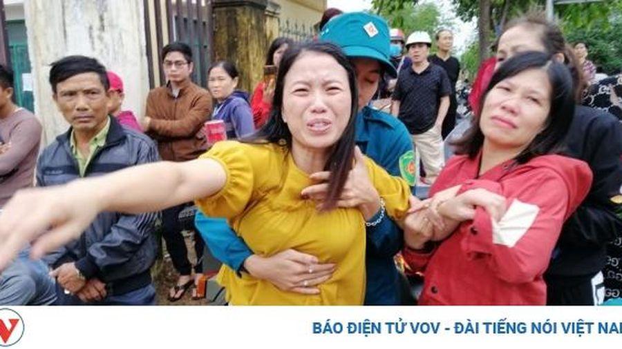 Đông Hà ngày 20/10: Những người mẹ, người vợ đẫm nước mắt