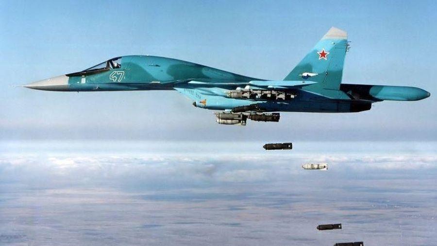 Không lực Nga dội bom phá tan đoàn xe quân sự của HTS ở Tây Bắc Syria