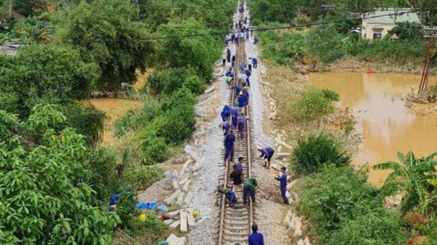 Đường sắt Bắc – Nam thông tuyến, sẵn sàng vận chuyển hàng cứu trợ miễn phí