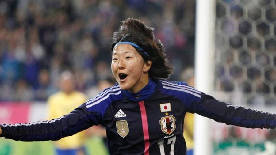 Nữ tuyển thủ Nhật thi đấu cho đội bóng nam J-League 2