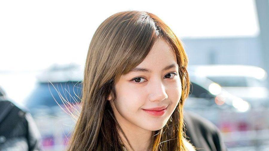 Lisa được khen xinh hơn khi không để tóc mái