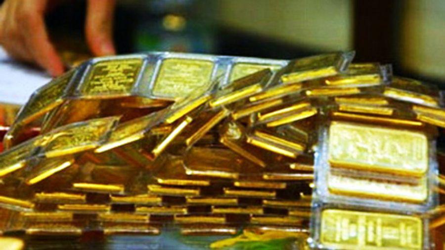 Giá vàng tăng mạnh, thị trường dậy 'sóng' trước ngày bầu cử Tổng thống Mỹ