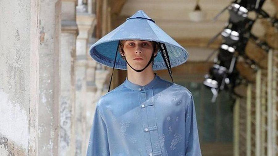 Cảm hứng nón lá, thời trang Tây khiến dân Việt thích thú rần rần