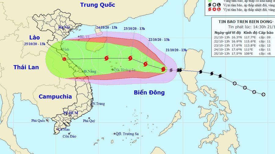 Dự báo thời tiết: Bão số 8 trên Biển Đông cách quần đảo Hoàng Sa khoảng 560 km