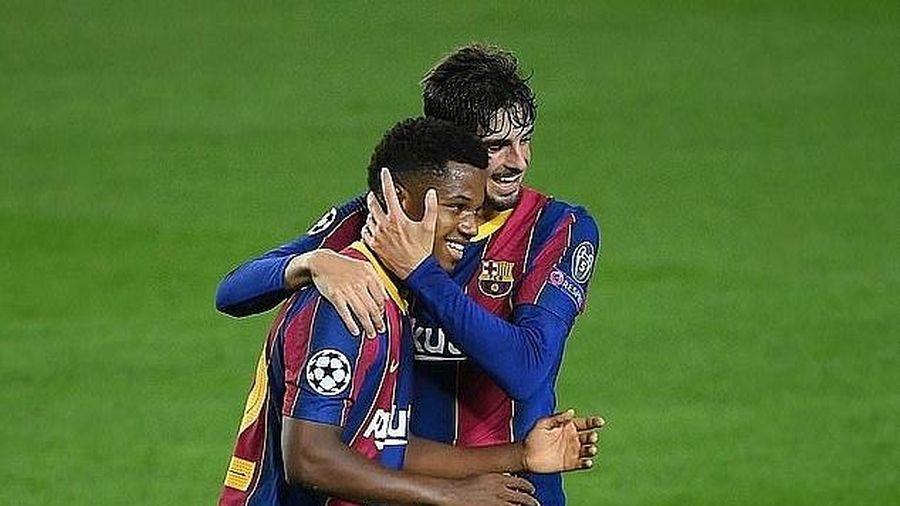 Barcelona khởi đầu ấn tượng tại Champions League