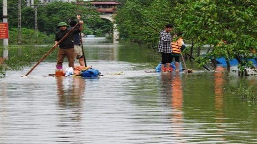 Vùng hạ du hồ Kẻ Gỗ vẫn đang bị ngập nặng