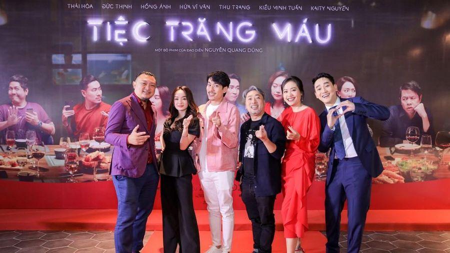 Kaity Nguyễn-Kiều Minh Tuấn và dàn sao 'Tiệc trăng máu' hội ngộ trên thảm đỏ