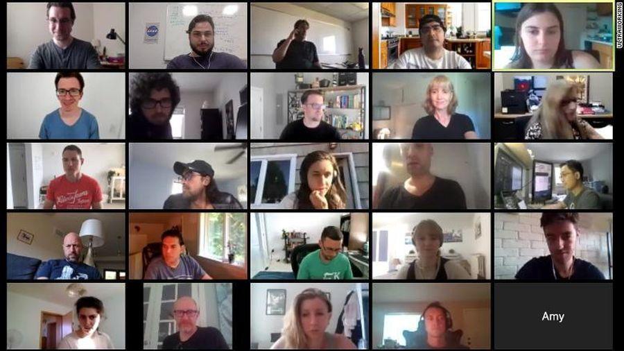 Trả tiền để làm việc trực tuyến cùng người lạ khắp thế giới