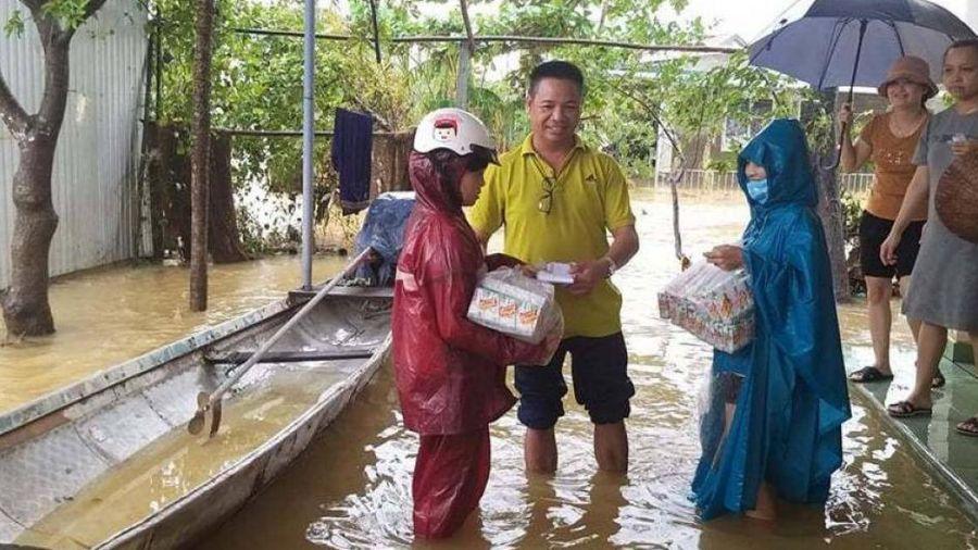 Cùng Báo Giao thông, người dân Tây Nguyên hỗ trợ bà con lũ lụt miền Trung