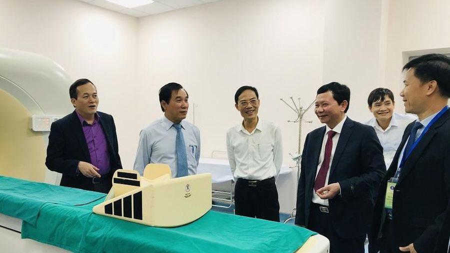 Thanh Hóa: Khai trương hệ thống trang thiết bị y tế hiện đại tại Bệnh viện Ung bướu