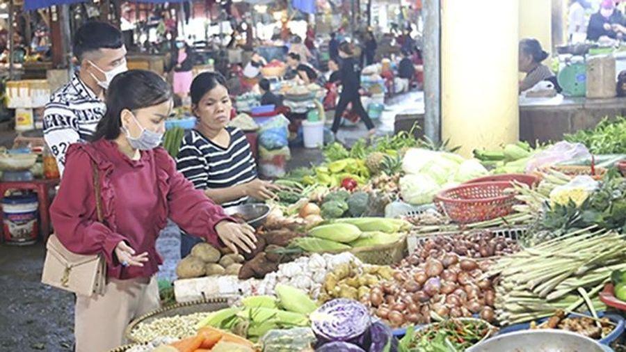 Hà Tĩnh: Giá rau xanh tăng gấp 4 lần so với ngày thường