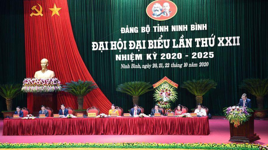 Ông Trần Quốc Vượng dự và chỉ đạo Đại hội Đảng bộ tỉnh Ninh Bình