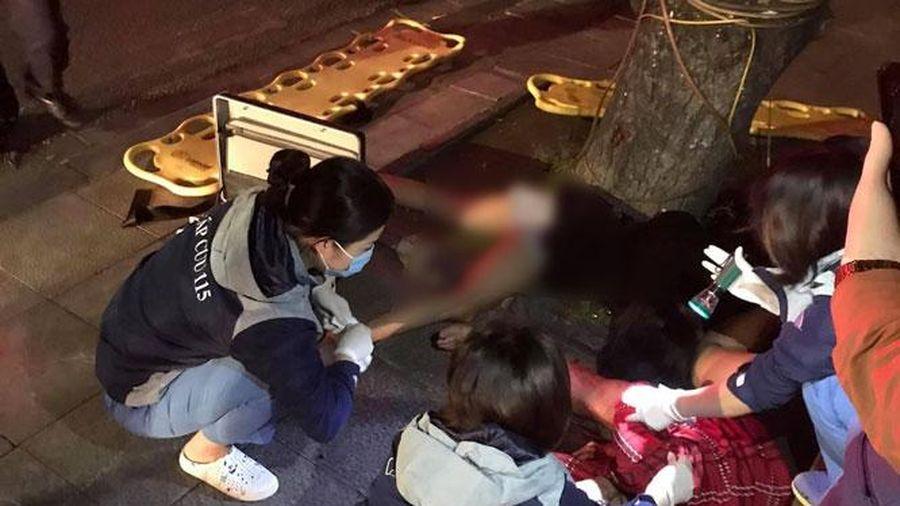 Hai phụ nữ thương vong do đi xe máy lao vào gốc cây