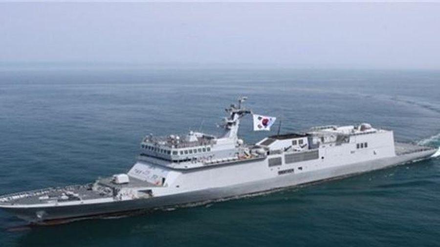 Hải quân Hàn Quốc tiếp nhận tàu huấn luyện quân sự