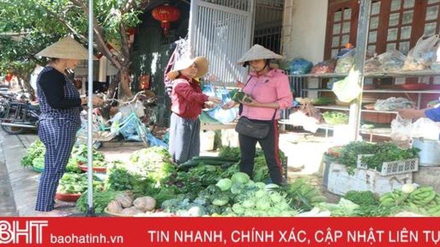 Giá cả thực phẩm tại chợ dân sinh ở TP Hà Tĩnh ổn định sau lũ