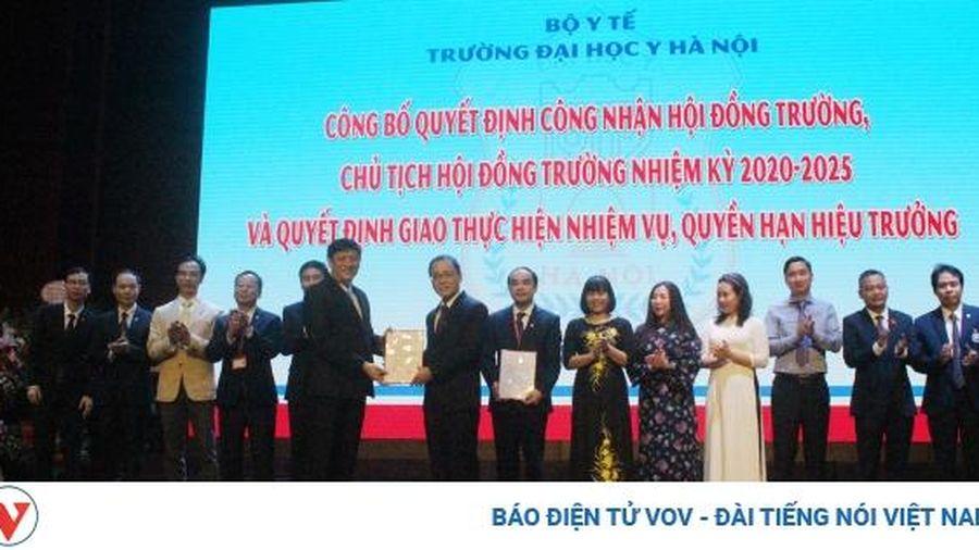 Quyền Bộ trưởng Y tế: ĐH Y Hà Nội chú trọng đổi mới sát hạch, cấp chứng chỉ hành nghề