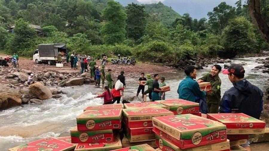 Cứu trợ đồng bào miền Trung: Để tấm lòng trao đi trọn vẹn