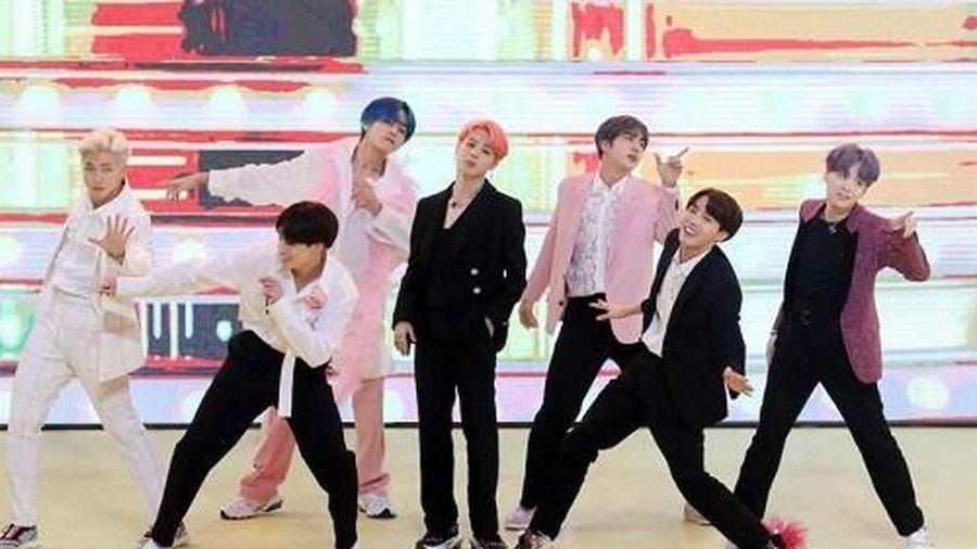 Chúc mừng BTS lần thứ hai 'bỏ túi' MV tỷ view trên YouTube với 'Boy With Luv'!