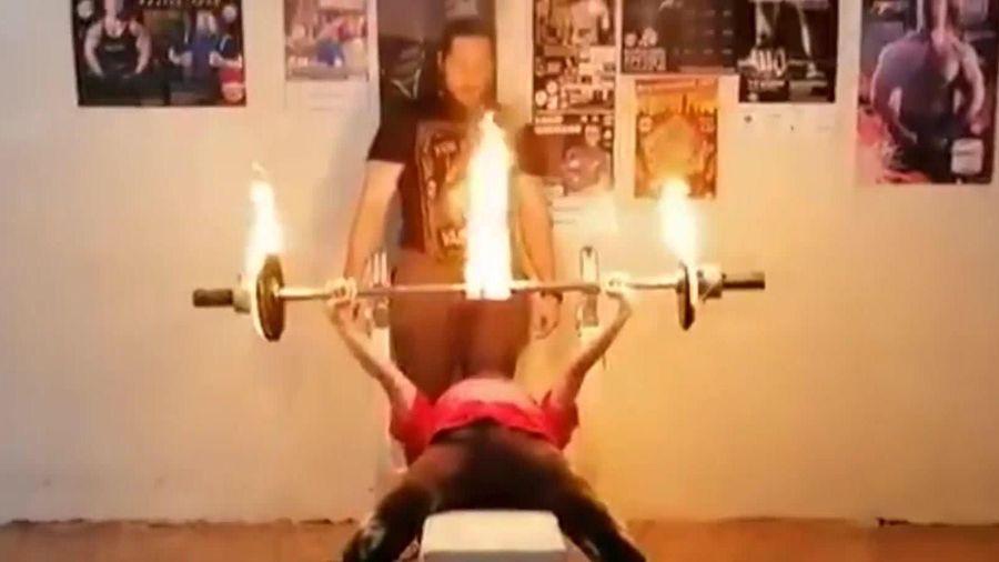 Nữ sinh Nga 12 tuổi lập kỷ lục về nâng tạ