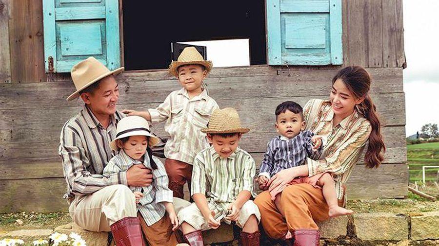 Bộ ảnh 'Gia đình nông dân' cực chất của Thành Đạt - Hải Băng
