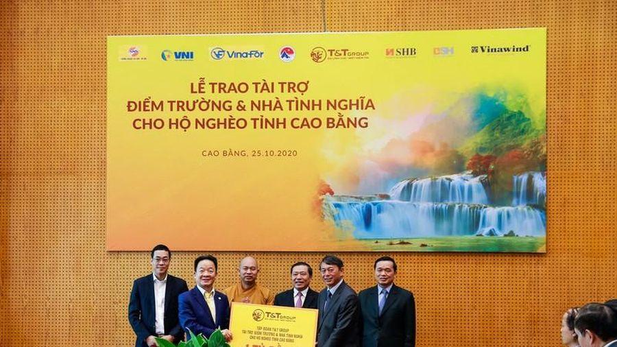 'Bầu Hiển' ủng hộ tỉnh Cao Bằng 5 tỉ đồng