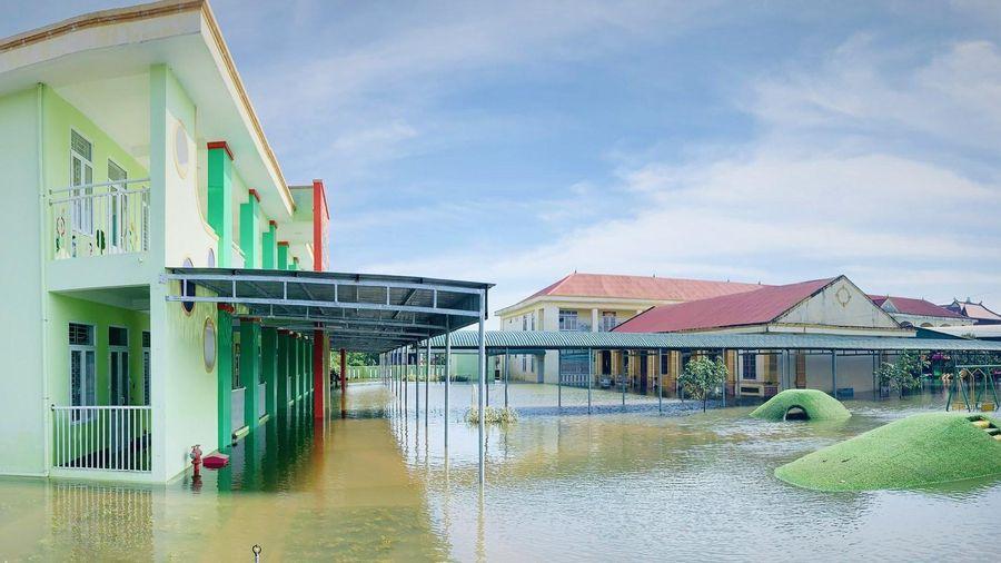 Nhiều huyện ở Hà Tĩnh cho học sinh nghỉ vì mưa lớn