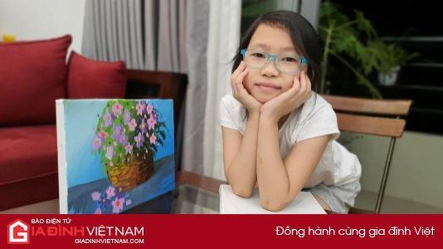 Bé lớp 3 vẽ tranh bán đấu giá lấy tiền ủng hộ miền Trung