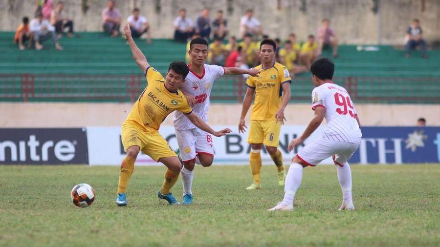 Gặp SLNA trên sân Vinh, Nam Định sẽ trụ hạng?