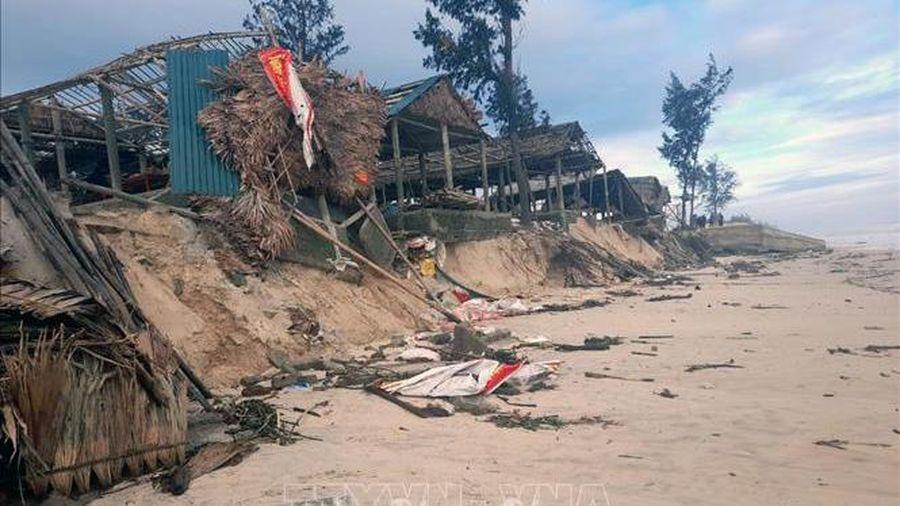Sạt lở bờ biển nghiêm trọng tại Quảng Trị