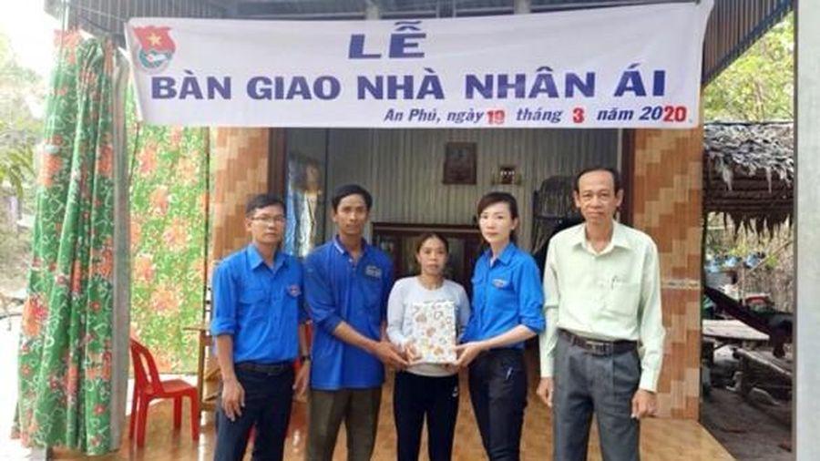Cất mới 24 căn nhà Nhân ái ở Tịnh Biên