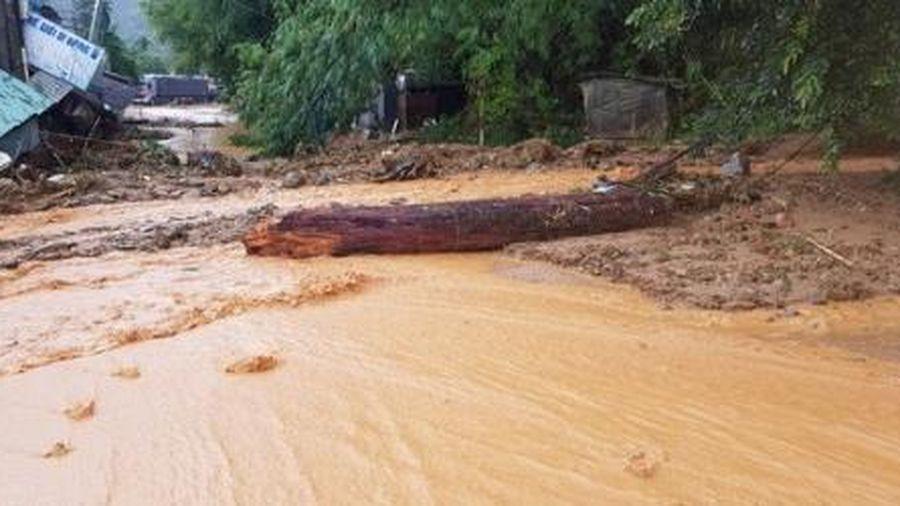 Huy động máy phát điện hỗ trợ công tác cứu hộ tại Nam Trà My