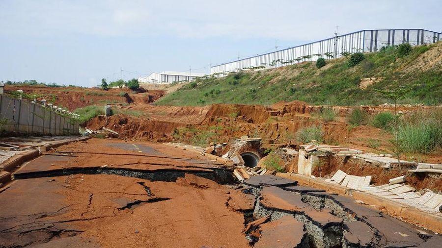 Bí thư Tỉnh ủy Đắk Nông thị sát dự án 'nghìn tỷ' 5 lần sụt lún