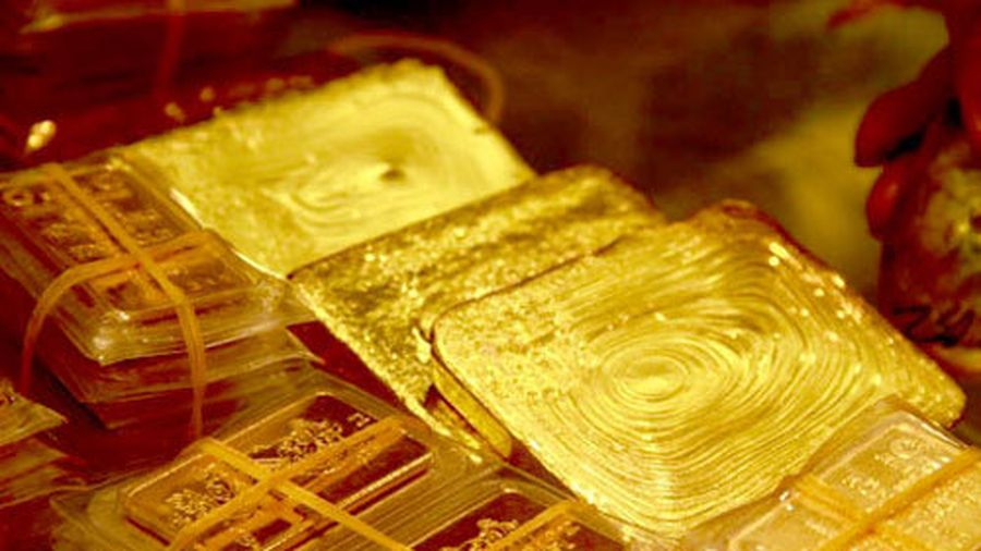 Giá vàng hôm nay 30/10: Sụt giảm rồi tăng nhanh trở lại