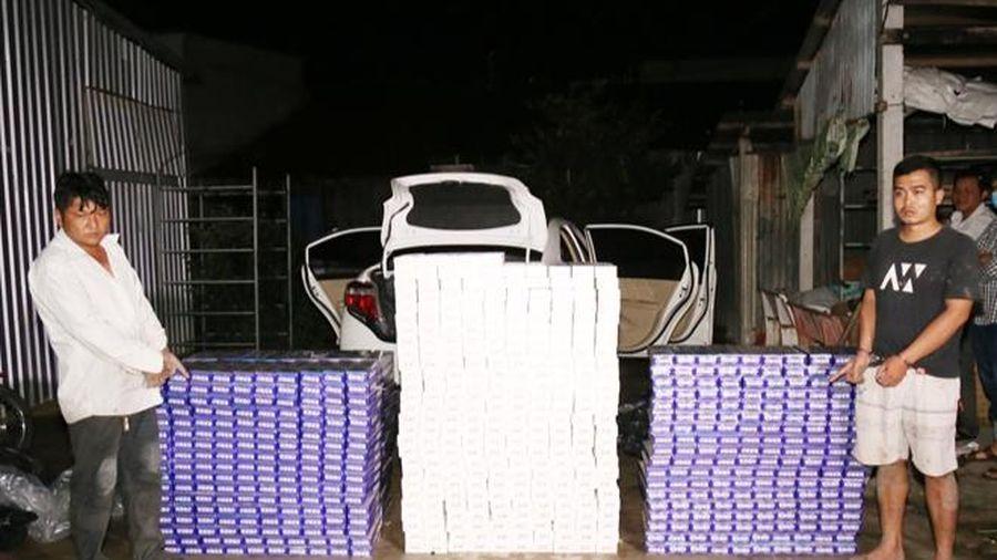 Bắt quả tang vụ vận chuyển hơn 10.000 bao thuốc lá lậu