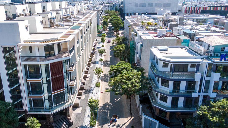 Có tiềm lực tài chính tốt, đầu tư vào căn hộ cao cấp ở trung tâm hay nhà phố, biệt thự trong các khu đô thị mới