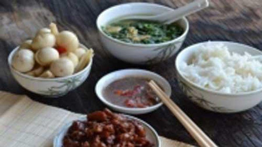4 món ăn hại gan thường xuyên xuất hiện trong mâm cơm của người Việt