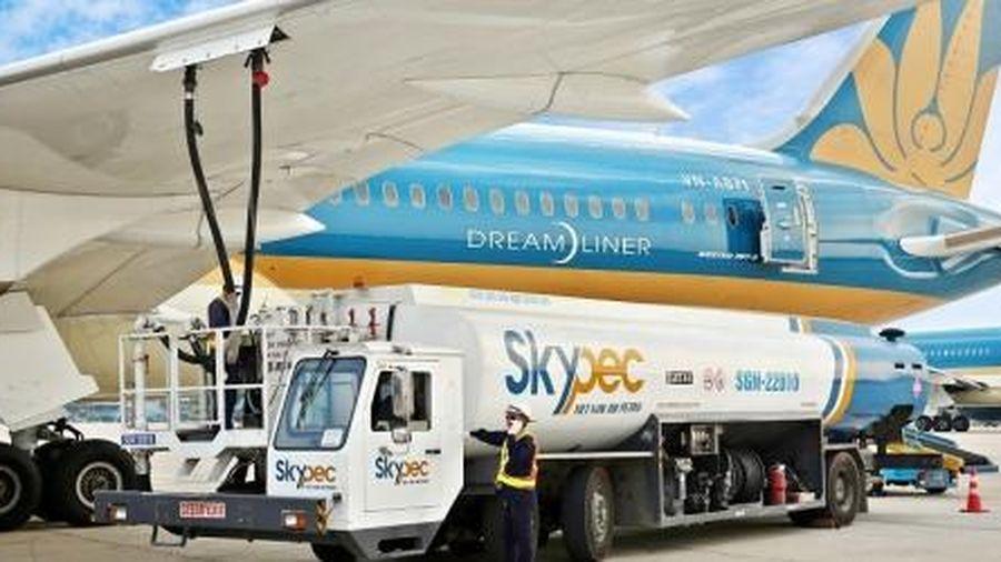 Đề xuất tiếp tục giảm 30% thuế BVMT đối với nhiên liệu bay đến hết năm 2021