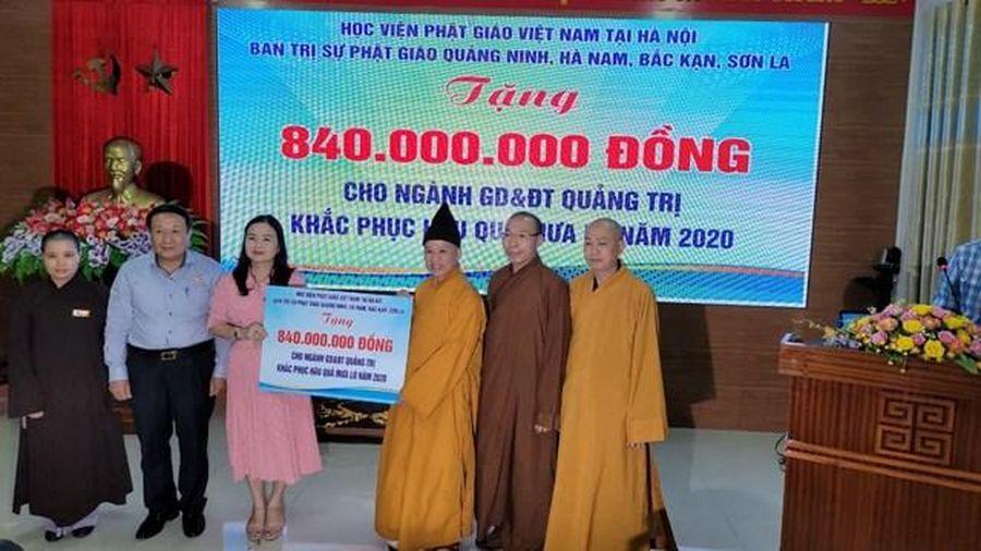 Thượng tọa Thích Thanh Quyết trao 2 tỷ đồng ủng hộ đồng bào miền Trung
