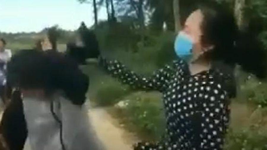 Nữ sinh ở Thanh Hóa bị bạn dùng mũ bảo hiểm đập liên tiếp 13 phát vào đầu