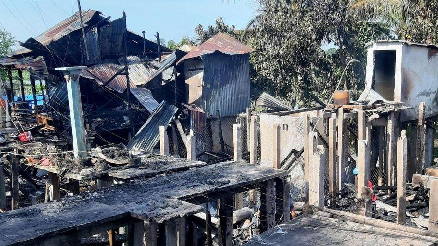 Cháy 8 căn nhà ở TP Châu Đốc