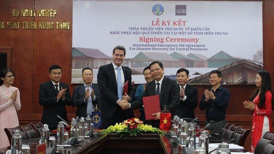 ADB viện trợ không hoàn lại 2,5 triệu USD cho Việt Nam khắc phục hậu quả lũ lụt miền Trung