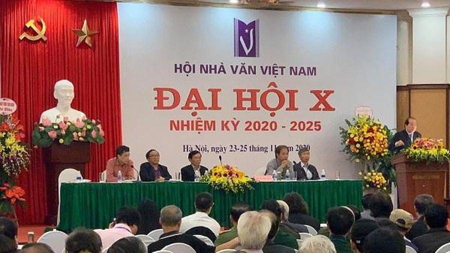 Nhà văn Nguyễn Bình Phương trúng vào BCH Hội Nhà văn Việt Nam khóa mới với số phiếu cao nhất