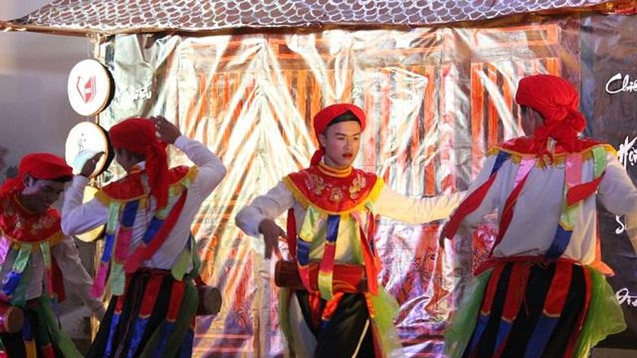 Chiếu hội sân đình - Đưa nghệ thuật truyền thống đến gần hơn với giới trẻ