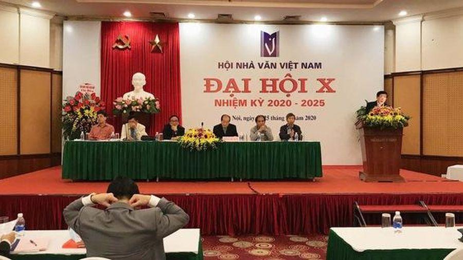 Nhà thơ Hữu Thỉnh xin rút khỏi ban chấp hành Hội Nhà văn Việt Nam khóa mới