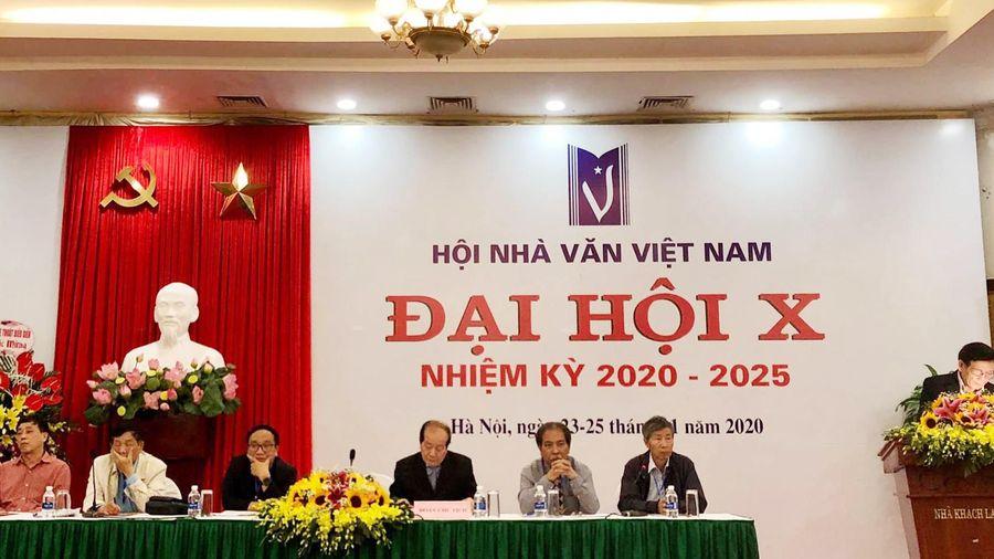 Đại hội Hội Nhà văn Việt Nam lần X, nhà thơ Hữu Thỉnh 2 lần xin rút